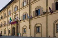 Palazzo-del-Governo-la-facciata-su-piazza-del-Duomo