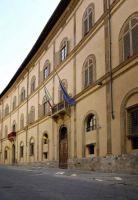 Palazzo-del-Governo-la-facciata-su-via-del-Capitano